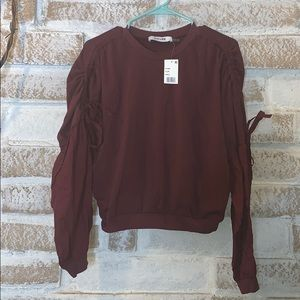 DO + BE size Small Plum gorgeous new fall top